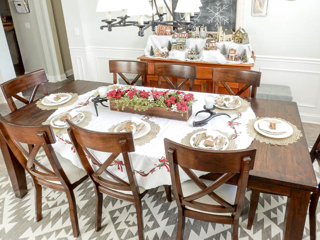 Merry U0026 Bright Blog Hop {Dining Room}